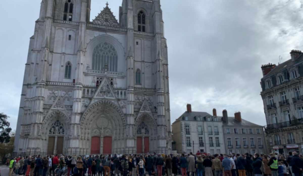"""""""Ridateci la Messa"""": francesi in lotta per i diritti di Dio"""